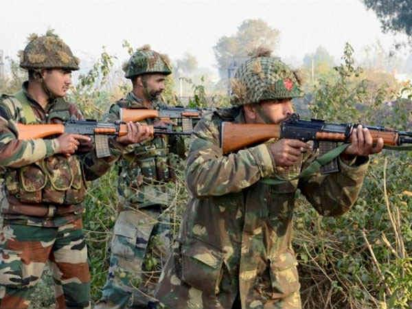 Jammu Kashmir Policeman Matryed Ongoing Encounter At Tral