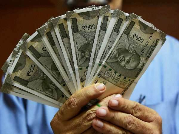 th Pay Commission Bonanza As Top Basic Pay Is Rs 2 5 Lakh