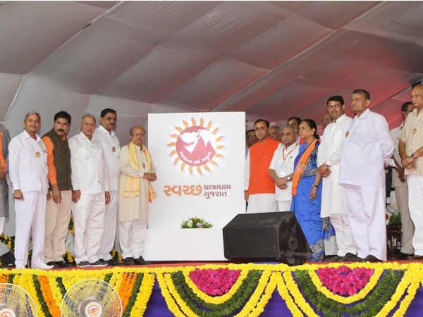 Somnath Vijay Rupani Kickstarts 24x7 Cleanliness Drive At Pilgrims At Gujarat