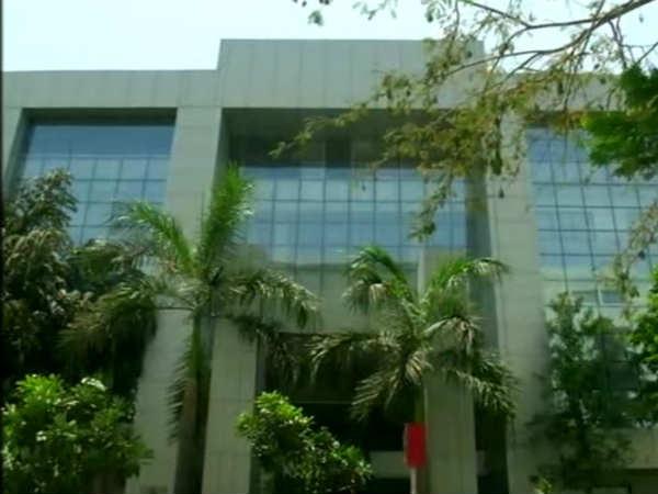 Gandhinagar Call Center Scam 19 People Arrested