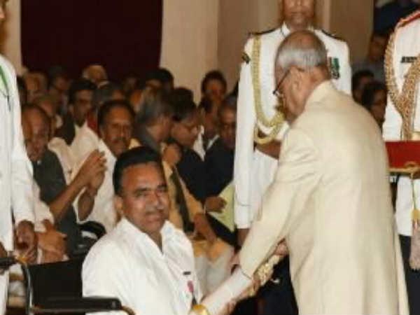 This Two Gujarati Get Padma Bhushan President Pranab Mukherj