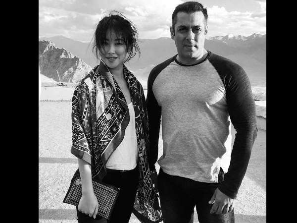 Salman Khan Gifts Something Special Tubelight Co Star Zhu Zhu As A Token Of Love