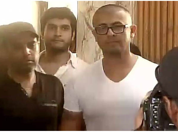 Singer Sonu Nigam Shaved His Head Azaan Tweet Controversy