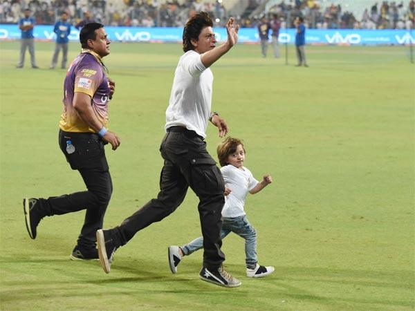 Shah Rukh Khan Racing With Son Abram Eden Garden See Pics