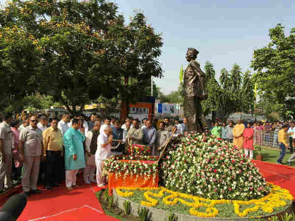 Maha Gujarat Insolvency Chief Pioneer Veteran Gandhian Indulal Yanik