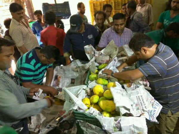 Ahmedabad Health Department Raid Mango Vendor At Nardoa Kalupur