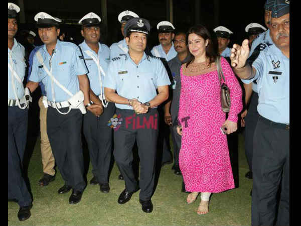Sachin Tendulkar Holds Screening Sachin A Billion Dreams For Armed Forces