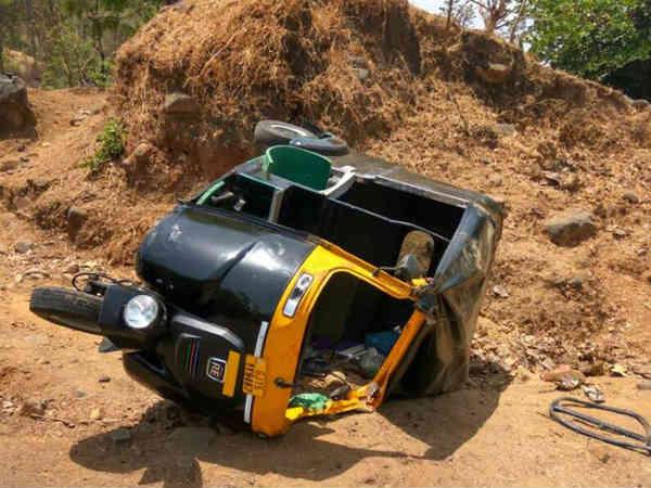 Navsari Rickshaw Accident Vansda Village One Death