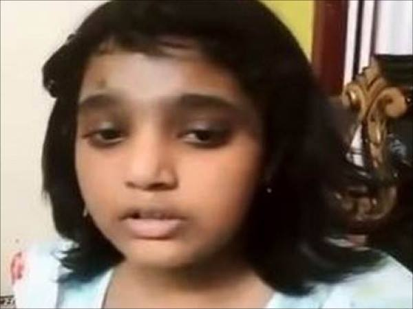 Years Girl Beges Her Life Father Died Video Goes Viral