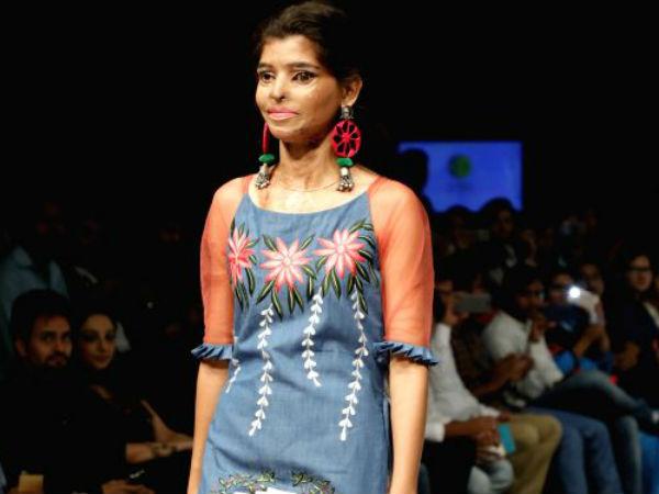 Pics Acid Attack Survivor Ritu Saini Walks At The Asian Designer Week