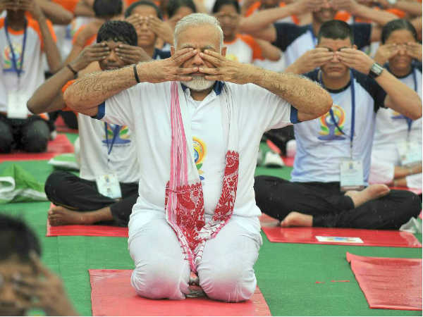Pm Modi Does Yoga At Lucknows Ramabai Ambedkar Maidan