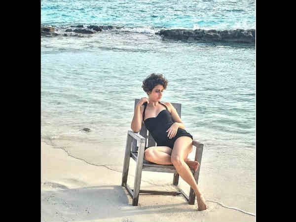 Fatima Sana Shaikh Looks Smoking Hot A Black Bikini