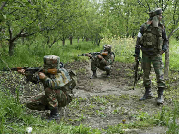 Indian Army Arrested Hizbul Mujhahideen S 2 Terrorists North Kashmir Handwara