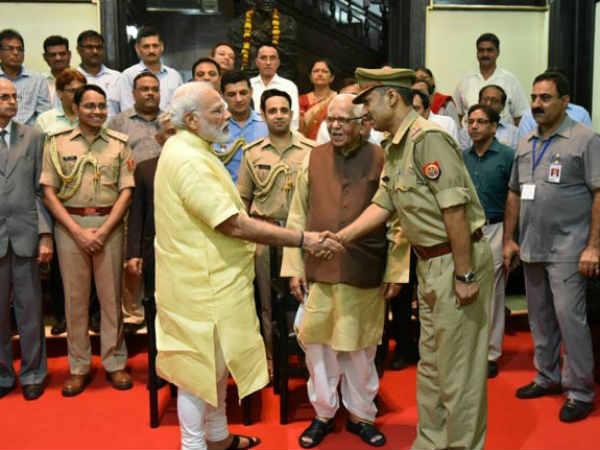 PM અને આ પોલીસ ઓફિસરની મુલાકાતનું કારણ છે ખૂબ રસપ્રદ!