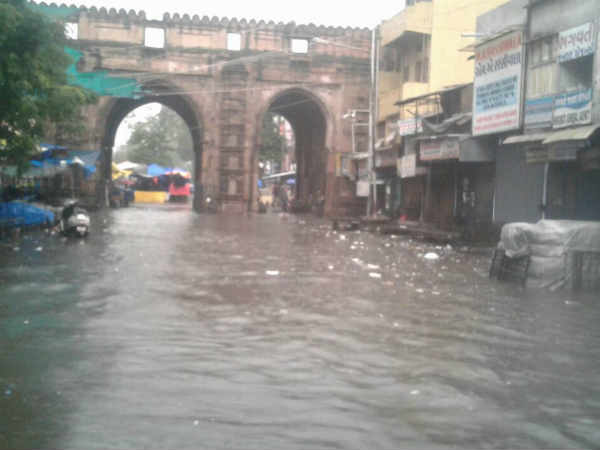 Ahmedabad Rain This Road Are Closed Or Waterlogged The City