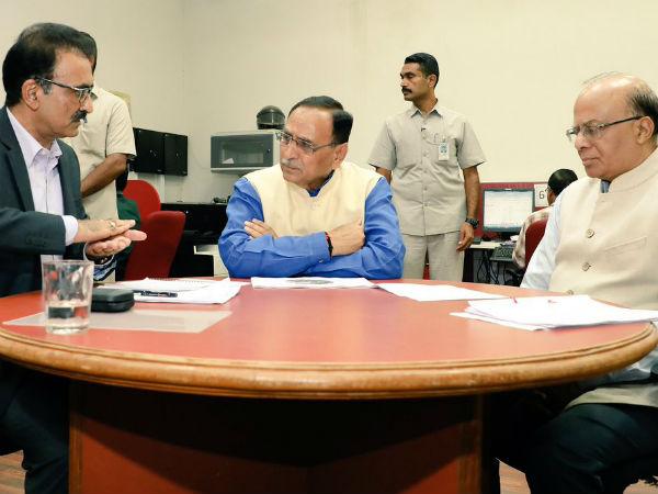 CM વિજય રૂપાણીએ કર્યું સુરેન્દ્રનગરનું હવાઇ નિરીક્ષણ