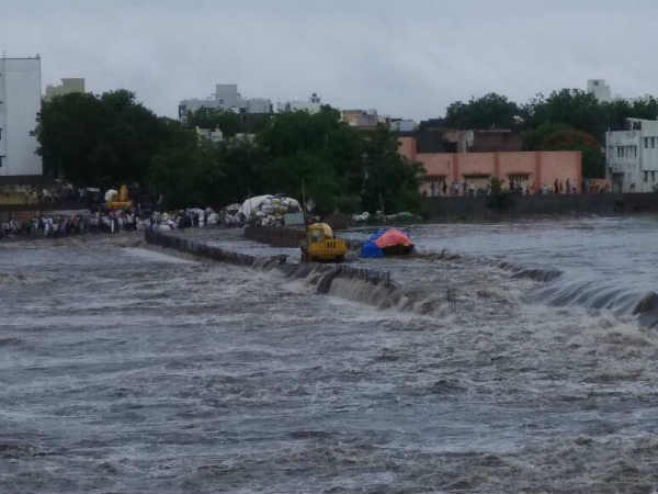Heavy Raining Gujarat Rajkot Banaskantha Morbi Had Flood