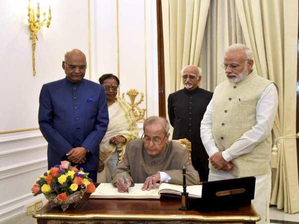 PM મોદીના ડિનરમાં પ્રણવ મુખર્જી માટે નીતીશ કુમારે આપી હાજરી