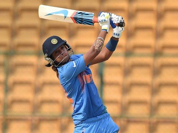 અહીં વાંચો - મહિલા ક્રિકેટ:આજે ઇનામની વર્ષા, જરૂરિયાતના સમયે થયું હતું કંઇક આવું