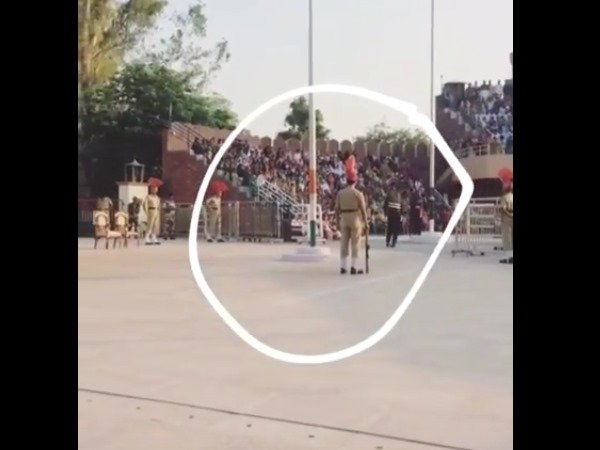 Video Pakistani Ranger Falls During Retreat Ceremony