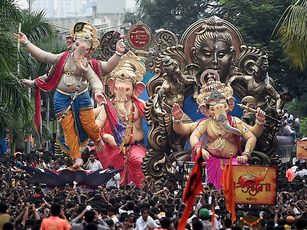 Top 6 Places To See Ganpati Visarjan In Mumbai