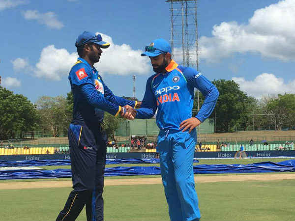 India Vs Sri Lanka 1st Odi Score Updates