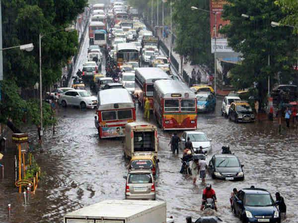 Heavy Rain Stops The Lifeline Mumbai High Tide Alert