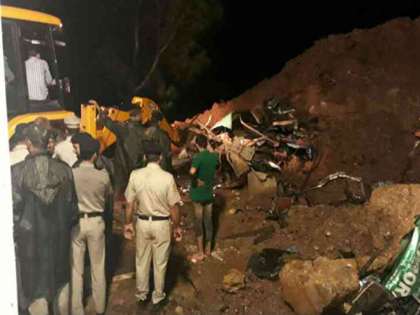 Himachal Pradesh At Least 20 Feared Dead After Boulder Hits Moving Bus In Mandi