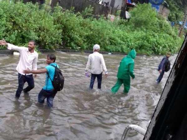 Mumbai Rains Bmc Issues Emergency Number