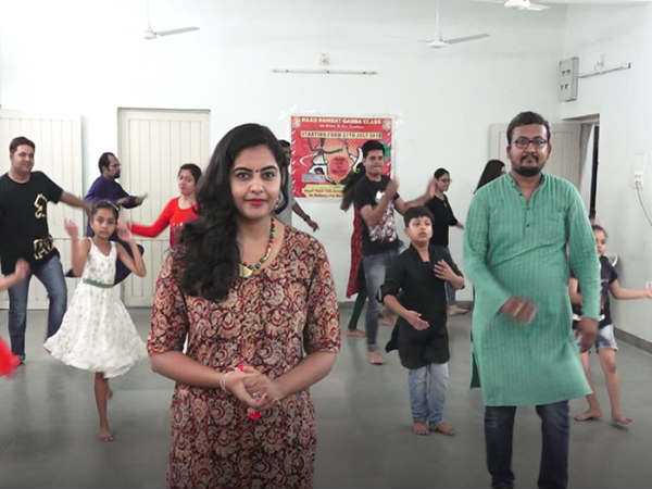 Navratri 2017 Video How Learn Garba Dandiya Dance Step