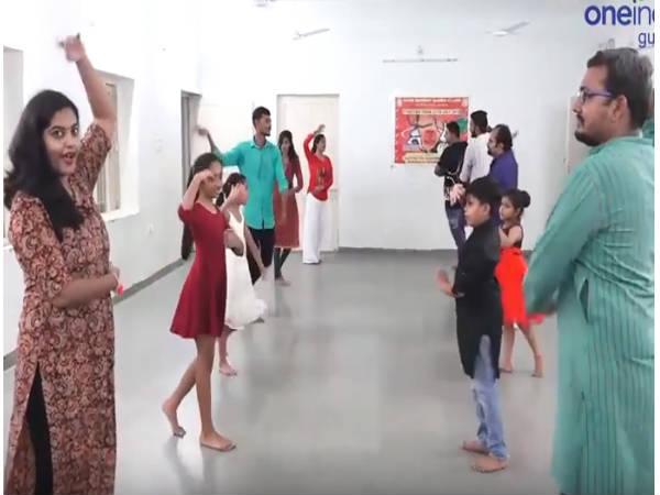 Video How To Learn Raas Garba Easy Steps