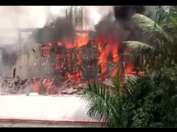 મુંબઈના પ્રસિદ્ધ આર.કે સ્ટુડિયોમાં લાગી આગ,કોઈ જાનહાની નહી