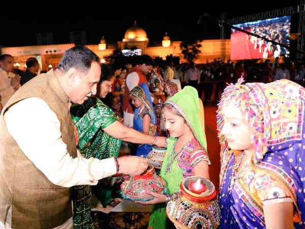 Navratri Inaugural Function Cm Vijay Rupani At Ahmedabad