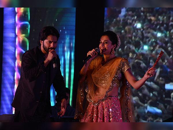 Navratri 2017 Varun Dhawan Tapasee Pannu Ahmedabad