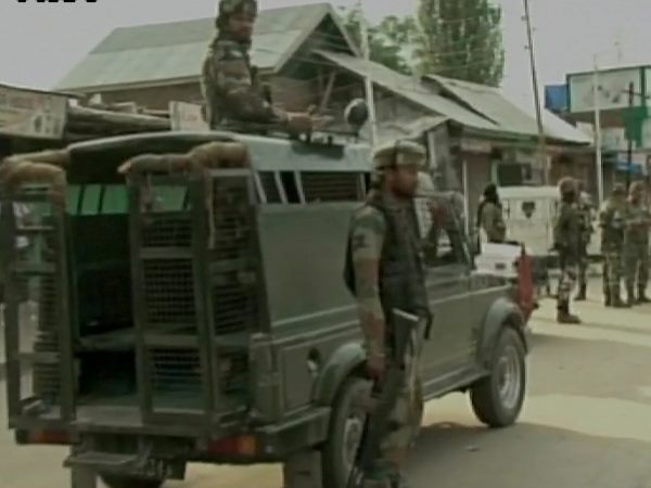 Jk Terrorists Lob Grenade On Crpf Patrolling Party Anantnag Quazigund