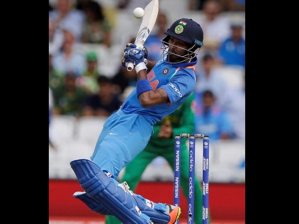 India Vs Australia 1st Odi Third Time Hardik Pandya Hit Sixes Off Three Consecutive Balls In Odis