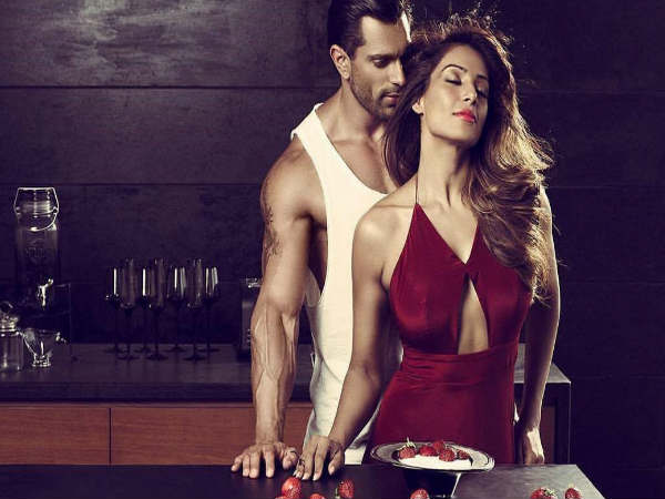 This Photos Bipasha Basu Karan Singh Grover Are Going Viral