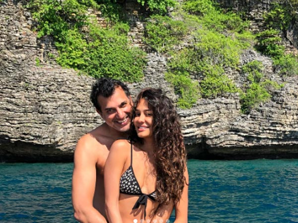 Lisa Haydon Dino Lalvani Beach First Wedding Anniversary