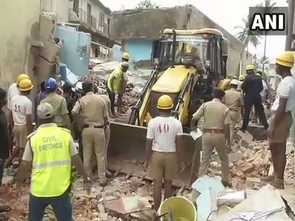 Video 4 Houses Collapsed Ejipura Area Bengaluru Due Cylinde Blast