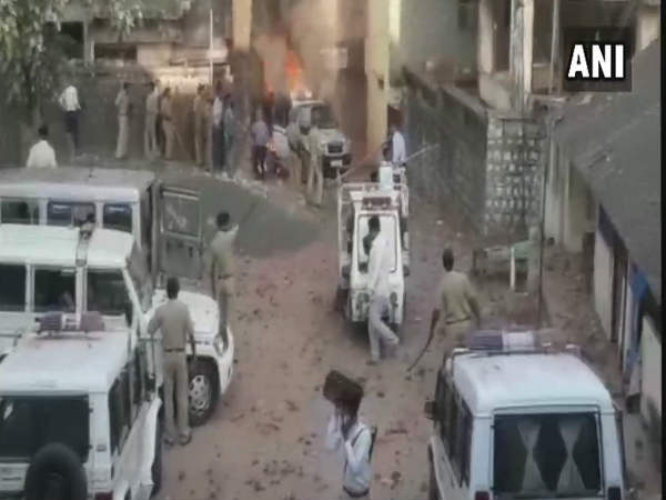Mob Attacked Police Station Dahod