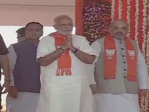 ગુજરાતની ચૂંટણી આવે ત્યારે એક પાર્ટીને તાવ વધારે આવે છે : PM