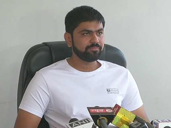Nikhil Sawani Patidar Leader Resigned Bjp Will Meet Rahul Gandhi Soon