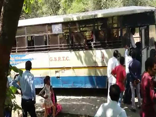 St Bus Was Knocked Down On Kodinar Amreli Route Near Forest
