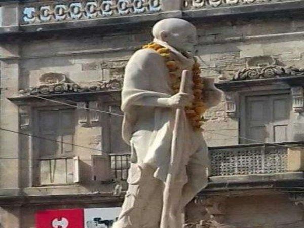 Gujarat Spectacles Missing From Mahatma Gandhi S Statue Porbandar