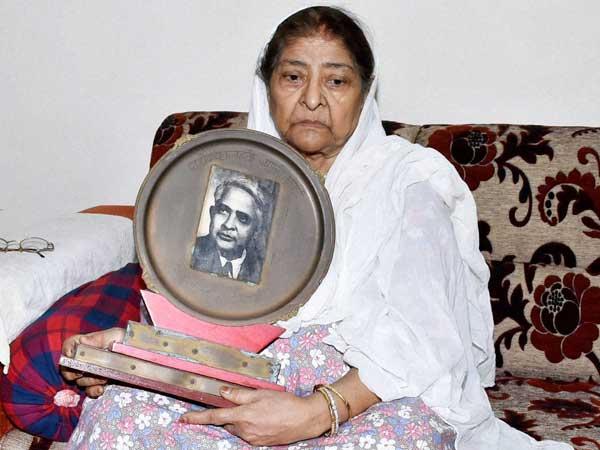 Gujarat Riots High Court Rejects Zakia Jafri Petition