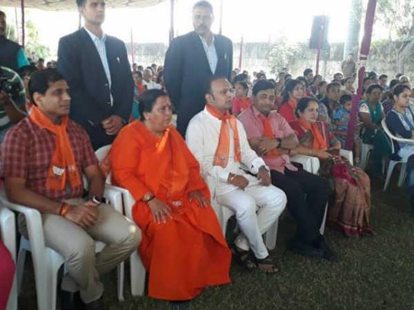 Gujarat Election 2017 Bjp Organized Mann Ki Baat Chay Ke Sat