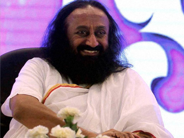 Sri Sri Ravi Shankar Jumped Into Ayodhya Dispute Avoid Probe Into Wealth Ramvilas Vedanti