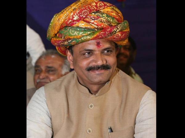Gujarat Elections 2017 Compromise Between Jitu Vaghani Rajp
