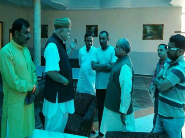 Protest Against Padmavati Continues Gandhinagar Surat