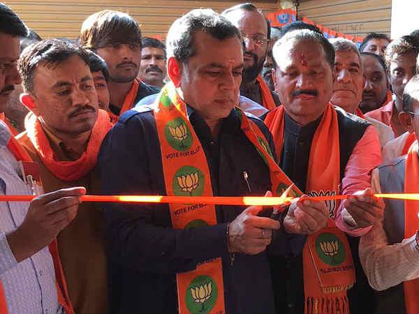 Gujarat Election 2017 Did Just Rajput Karni Sena Members Sla